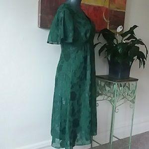 Modcloth Dresses - MODCLOTH ANNA SUI elegant emerald dress